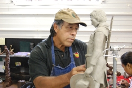 ARTIST SCULPTING LINCOLN