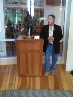 CAPTAIN LINCOLN SCULPTURE PRESENTATION LINCOLN PRESIDENTIAL LIBRARY 2015